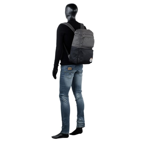 S90801 mochila grande 47 cm Skechers M.O.C.A. negro